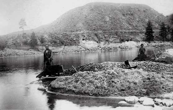Chinese Massacre Cove on the Oregon-Idaho border. 34 Chinese miners were killed here in 1887.