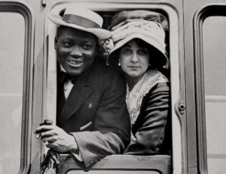 Jack Johnson and Etta Duryea on a train - c.1910